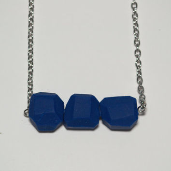 Geometric royal blue clay bead necklace