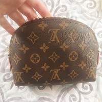 LV Fashion Tide Brand Women Cosmetic Bag Shell Shape Storage Bag Clutch Bag