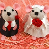 Mouse Wedding Cake Topper ornament cute felt bride and groom gift for engaged just married couple valentines day gift - in stock