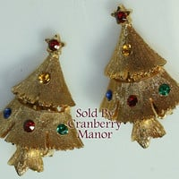 Christmas Tree Earrings, Ruby Red Emerald Green Rhinestone Figural on Gold Winter Holiday December Finds Vintage 1980s Fashion Jewelry J2484