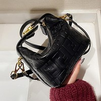 Fendi's new lunch box bag fashion trend single shoulder messenger bag