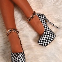 Gina Monochrome Dogtooth Chain Effect Heels | Pink Boutique