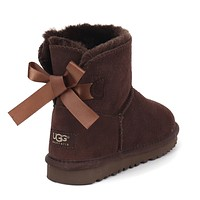 UGG Bow snow boots
