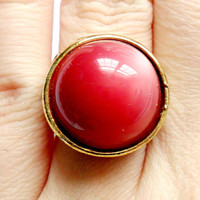 Vintage Moonglow Lucite Ring - Domed Cabochon - Pink Magenta - Large Cocktail Ring - Gold Tone Metal - 1950s 1960s - Adjustable Size Band