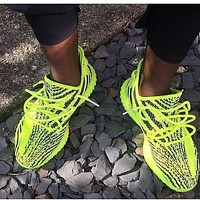 Adidas Yeezy 550 Boost 350 V2 Fashionable Girls Boys Personality Women Men Casual Sport Running Shoe Sneakers Fluorescent Green