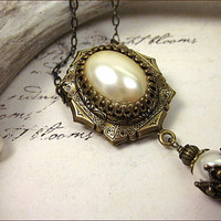 Ivory Pearl Renaissance Necklace , Cream Pearl Bridal Necklace, Tudor Jewelry, Medieval Jewel Pendant, Your Choice of Color and Finish