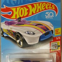 New 2018 Hot Wheels Rrroadster Holiday Racers Treasure Hunt Car 5-6