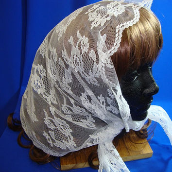 Lace Scarf, Triangle lace Mantilla, white lace mantilla, Scallop floral lace veil