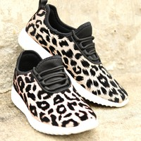 On The Run Sneakers - Tan Leopard