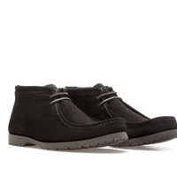 VELVET-TEXTURED LEATHER WALLABEE ANKLE BOOT