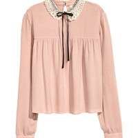 Blouse with Lace Collar - from H&M