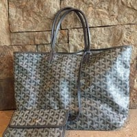 DCCKMS6 St Louis Goyard Grey GM Chevron Tote Bag
