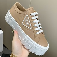 Prada New Canvas Embroidered Platform Shoes Womens Triangle Logo Casual Shoes sneakers Khaki