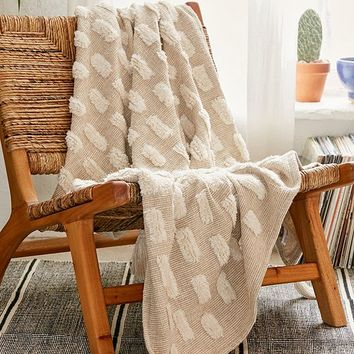 Tilly Tufted Throw Blanket | Urban Outfitters