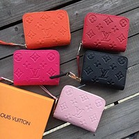 Louis Vuitton LV hot style all-match embossed small square bag fashion zipper clutch bag