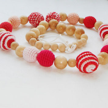 Nursing/teething necklace - Pastel tone - pink red - gift for mothers day - crochet organic cotton - baby girl - baby shower gift
