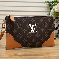 LV Louis Vuitton classic printed letter gold buckle ladies zipper cosmetic bag clutch purse
