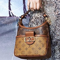 Lv new Daphne handbag    One shoulder and cross body bag, two shoulder straps brown