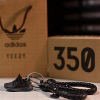 """Kicksmini Yeezy 350 Boost V2 Core """"Bred"""" 3D mini Sneaker Keychains with Box and Bag"""