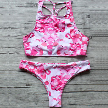 Lovely Printed Elastic Bikini Low Waist Bathing Suit