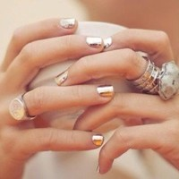 Mirrored Manicure Trends