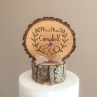 Rustic Laurel Wedding Cake Topper, Wood Slice Topper, Mr & Mrs Topper, Wedding Cake Top, Barn Wedding, Custom Cake Topper, Personalized Top