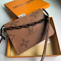 Louis Vuitton LV new coffee print letter color matching ladies chain diagonal bag shoulder bag
