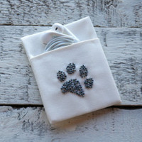 Cat paw, small gift for cat lovers, little gift idea, earphone holder, earbud pouch, cable organizer, earplugs case, gift for her
