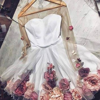 Pretty 3D Flower Lady Cocktail Dresses See Thru Full Sleeves Floral Short Homecoming Dresses Sweet Prom Gowns 2020