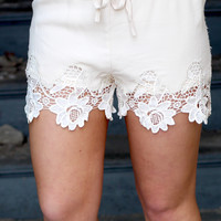 Laced in Floral Shorts {L. Beige}