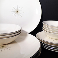Homer Laughlin Modern Star Dinnerware, Atomic, Mid-Century Modern 17 pieces - dinner and salad plates, Cereal and Fruit Bowls