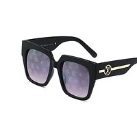 Onewel LV Louis vuitton new pair of big framed beach sunglasses for casual lovers