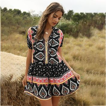 Floral Print Loose Boho Playsuit Women Short Sleeve V Neck Sexy Vintage Playsuit Hippie Summer 2020 Overalls Beach Casual Romper