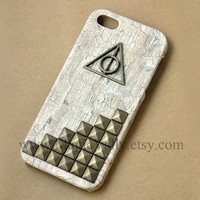 Brass Harry Potter Deathly Hallows Iphone 5 Case, Antique Bronze Stud Iphone 5 Case, White Wood Hard Iphone 5 Case Cover