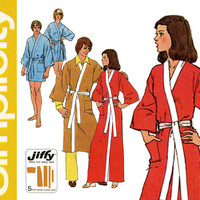 1970s Wrap Robe Pattern Uncut Bust 38 Simplicity 5685 Jiffy Kimono Sleeve Loungewear Sleepwear Easy To Sew Womens Vintage Sewing Patterns