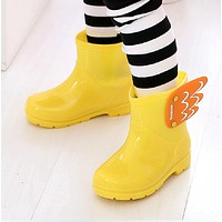 New Children Mid Cut Rain boots Kids Fashion Baby Girls Boys Water Shoes Cartorn Wing Fly Rubber Boots light convenient
