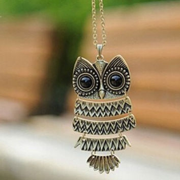 Womens Retro Bronze Vintage Owl or Dragonfly Necklace
