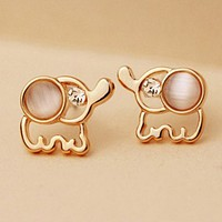 New cute fashion small elephant small earrings female ear jewelry Free shipping