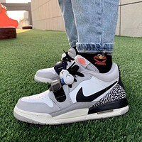 Nike AIR Jordan three-in-one joint burst white gray couple shoes Lakers Air cushion men and women low top high top basketball shoes