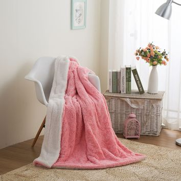 DaDa Bedding Luxury Rose Buds Baby Pink Faux Fur w/ Sherpa Backside Throw Blanket (BL-171752)