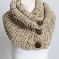 Button Detailed Scarf