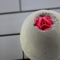 Champagne and Strawberry Bath Bomb - 8 oz. - Large - Bath Fizzy