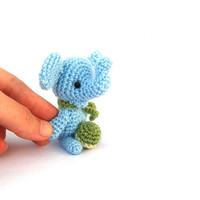 mini elephant, crochet sky blue elephant, miniature elephant, little elephant, amigurumi tiny elephant, circus, gift for children baby favor