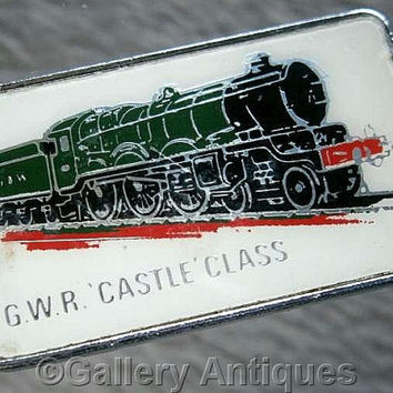 Vintage retro G.W.R Castle Class Chrome and Enamel diesel train railway Pin / Lapel Badge by Clubman c.1980's (ref: 3206)