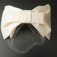 Vintage Bow Hat in Antique White by Sonni California