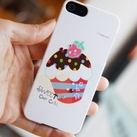 Happymori Fun 'Cupcake Chocolate Icing with Strawberry' Hard Type Cute Cell Phone Case for iPhone 5, 5S