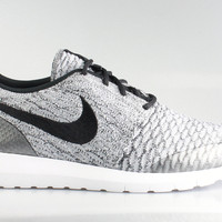 Nike Men's Roshe Run Flyknit SE Wolf Grey