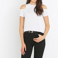 """Minkpink – Schulterfreies T-Shirt """"Fame"""" in Weiß - Urban Outfitters"""