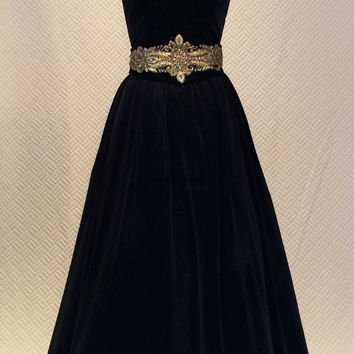 Black dress, vintage style dress, velvet dress, prom dress, strapless dress, evening dress, ball gown, long dress,