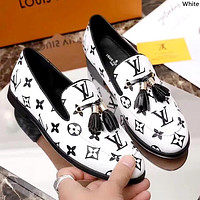 LV 2019 new women's shoes presbyopic flat set foot casual peas shoes white